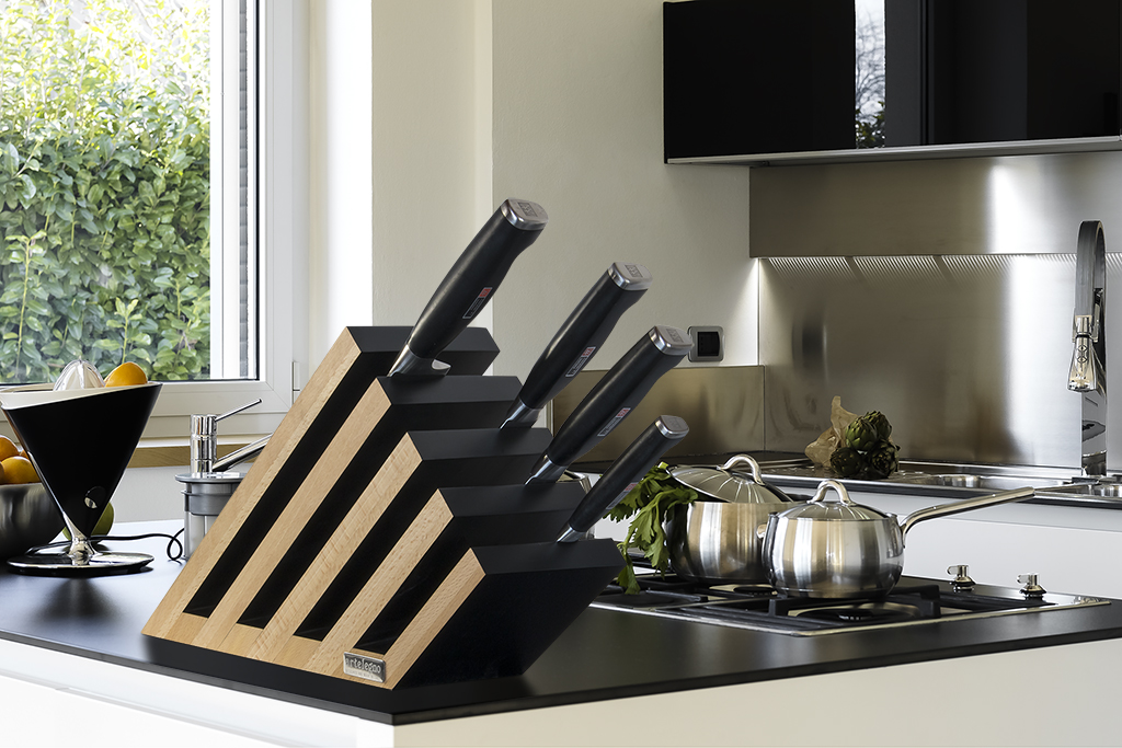 Artelegno Venezia Leaning Tower 14-Knife Magnetic Block - 5 Beech Panels